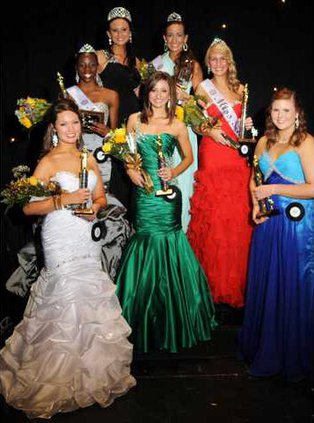 Miss Gold and Black Winners.JPG