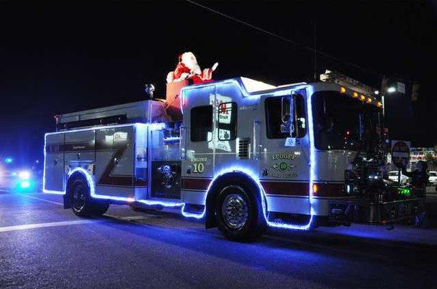 LF-R - Christmas Parade Web